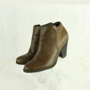 Mia zip up leather heeled boots size 10